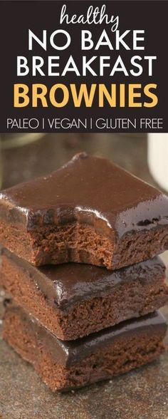 Healthy No Bake BREAKFAST Brownies- Loaded with chocolate and super fudgy…