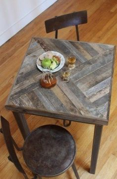 Reclaimed Pallet and Barn Wood Pub Bistro Kitchen End Table