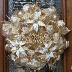 Christmas Wreath Deco Mesh Elegant Gold and Cream Poinsettia by LadybugsWreaths… Gold Christmas Decorations, Christmas Mesh Wreaths, Christmas Swags, Elegant Christmas, Christmas Crafts, Winter Wreaths, Spring Wreaths, Summer Wreath, Wreath Crafts