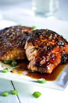 Garlic-Miso Glazed Salmon Crispy Garlic-Miso Glazed Salmon - SUBSTITUTE your favorite artificial sweetener for the honey.Crispy Garlic-Miso Glazed Salmon - SUBSTITUTE your favorite artificial sweetener for the honey. Salmon Recipes, Fish Recipes, Seafood Recipes, Dinner Recipes, Cooking Recipes, Healthy Recipes, Miso Glazed Salmon Recipe, Miso Paste Salmon Recipe, Honey Recipes