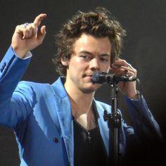 Harry Styles Live, Harry Styles Pictures, Harry Edward Styles, Beautiful Boys, Pretty Boys, Larry, Bae, Louis Y Harry, Mr Style