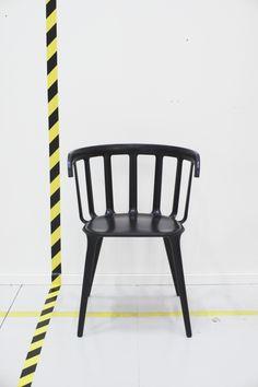 Καρέκλα με μπράτσα  - Designer: Marcus Arvonen