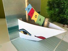 Hallo zusammen. Auf Wunsch zeige ich euch eine Kurze Anleitung für ein Schiff (ohne Deko) in einer Explosionsbox, wie hier die AIDA. Klick zum Bericht der Box Und los gehts: Ihr Benötigt ein 11cm x 11cm großes Stück Flüsterweiß und falzt es an 2 Seiten bei 1cm Dann schneidet ihr an einer Seite ein 6cm […]