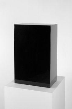 john mccracken, [2009]polyester resin, fiberglass and plywood50.8 x 31.1 x 19.1cm