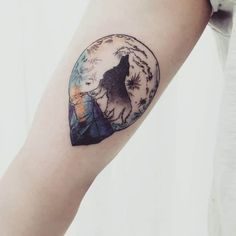 moon-tattoo (8) Tattoos Masculinas, Tattoos Arm Mann, Arm Tattoos For Guys, Body Art Tattoos, Small Tattoos, Tattoos For Women, Cool Tattoos, Tatoos, Moon Tattoo Designs