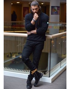 Hello, elegants in this video we will look at the top 5 most Handsome Turkish actors. This video brings you the best stylish Turkish actors. Turkish Men, Turkish Fashion, Turkish Actors, Mode Masculine, Mens Hairstyles With Beard, Mode Man, Male Models Poses, Photography Poses For Men, Fine Men