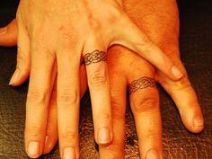 20 tatouages d'amoureux qui remplacent avec élégance les alliances !