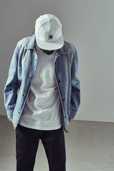 1 jacket ¥43,000 2 tee ¥8,880 3 pants ¥21,000 4 cap ¥8,200