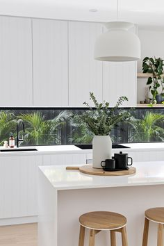 Home Decor Kitchen .Home Decor Kitchen Home Decor Kitchen, Interior Design Kitchen, New Kitchen, Home Kitchens, Kitchen Island Decor, Minimal Kitchen, Space Kitchen, Kitchen Designs, Kitchen Benches