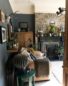 """""""We chose to live in this house because it is situated right next to an extensive park and within five minutes of the local school, in a friendly village. We even have a deli at the end of our street for excellent food and coffee."""""""