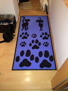 Fußmatte: Design mit Katzen und Pfotenabdrücke :)