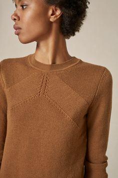 Minimalist Style, Minimalist Fashion, Sweaters For Women, Men Sweater, Diy Keychain, Knitwear Fashion, Sweater Design, Jumpers, Capsule Wardrobe
