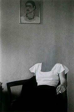 Charlotte Bracegirdle, New York 1932 Zeitgenössische Kunst - Frida kahlo - Art World Photocollage, Art And Illustration, Pics Art, Surreal Art, Aesthetic Art, Dark Art, White Photography, Collage Art, Collages