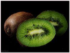 Kiwifruit (kiwi is a bird) by aviana2, via Flickr
