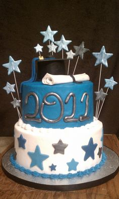 Graduation Cake- shade of silver Graduation Cupcakes, Graduation Ideas, Cute Cakes, Pretty Cakes, Fondant Cakes, Cupcake Cakes, School Cake, Pastry Art, Kindergarten Graduation