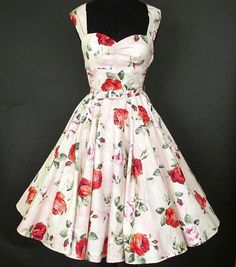 Gorgeous 50s Vintage.. Make as an apron!
