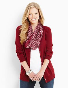 Layer on our looping infinity scarf for a perfect finish to your fall outfits. Choose from three colors in silky, sheer fabric and allover geo prints. Catherines scarves and wraps are fully fashioned to flatter the plus size figure. catherines.com