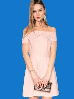 Le dénudé d'épaule de la robe Pixie Market   DailyELLE