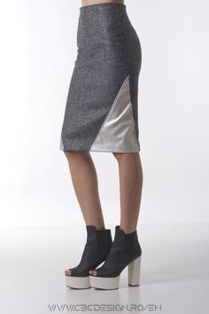 The IRON midi pencil skirt is a casual garment, but can also be successfully accessorized with a shirt and translate it into an office look. It is that kind of product that can be worn in a day to evening outfit.