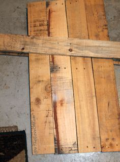 DIY Reversible Scarecrow To Snowman Pallet - 4 The Love Of Family