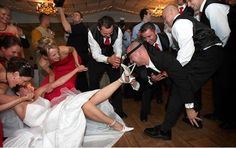 21 Funny Wedding Pictures.  These are pretty funny!