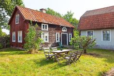 Red Houses, Little Houses, Exterior Design, Interior And Exterior, This Old House, Swedish Farmhouse, Scandinavian Cottage, Sweden House, Future House