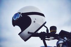 CORTADO EN EL MAR // BMW Motorrad R1200R und F800R Cafe Racer in Almeria - von Moritz Thau für Heldth