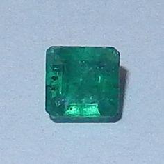 Smaragd 0.51 cts. Muzo, Kolumbien  Muzo Smaragd vom Juwelierhaus Abt in Dortmund.  #smaragd #kolumbien #edelstein #juwelier #abt #dortmund