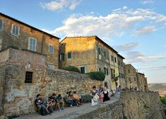 From this street in Pienza you can enjoy a superb panorama of the Val d'Orcia hills. Plus, did you know the town was a location for the Medici TV series? Lonely Planet, Wonderful Places, Tuscany, Street View, Wanderlust Travel, City, Vacations, Tv Series, Corner