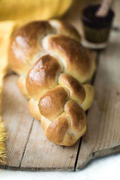 Healthy Eating Tips, Healthy Nutrition, Yeast Bread Recipes, Vegan Bread, Vegan Food, Easy Bread, Vegetable Drinks, Easter Recipes, Vegan Recipes