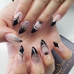 Trending Coffin Nails Art For Halloween Party 10 Bling Nails, Fancy Nails, Pretty Nails, Punk Nails, Cute Halloween Nails, Halloween Nail Designs, Halloween Party, Women Halloween, Halloween Season