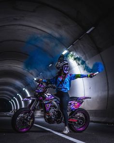 Ktm Dirt Bikes, Cool Dirt Bikes, Dirt Bike Gear, Dirt Biking, Motorcross Bike, Enduro Motorcycle, Girl Motorcycle, Motorcycle Quotes, Fille Et Dirt Bike