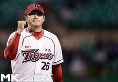49 1/3이닝 무실점 기록 돌파를 기대해봅니다! 한국 야구사의 새로운 이정표를 바랍니다! 화팅!