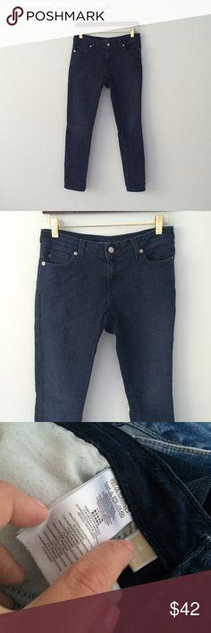 "MICHAEL KORS Skinny Jeans dark denim Cotton, polyester and spandex. Inseam 29"", waist 15"", rise 8"". Excellent condition. Dark denim. Michael Kors Jeans Skinny"