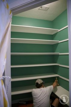 pantry makeover - the handmade home A simple and easy tutorial on how to build pantry shelves.Tansform your pantry and your life with this easy tutorial and supply list. Pantry Room, Corner Pantry, Small Pantry Closet, Room Kitchen, Kitchen Interior, Pantry Shelving, Pantry Storage, Pantry Diy, Storage Shelves
