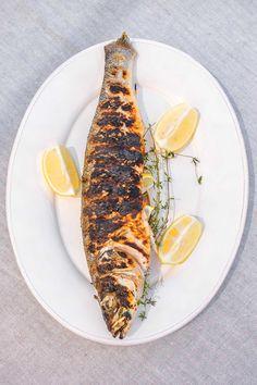 Maquereau de Méditerranée rôti entier  Whole roasted Mediterranean mackerel