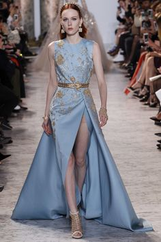 See the complete Elie Saab Spring 2017 Couture collection.