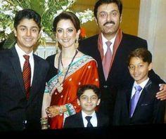 Noman Ijaz With Family