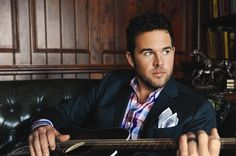 Music is the friend that never leaves you. David Nail - The Sound Of A Million Dreams. I know the power of a song when a song hits you right! David Nail, Shake It For Me, Country Music News, Music Album Covers, Country Men, Country Artists, Love Songs, Future Husband, Role Models