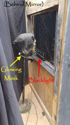 This DIY Ghost in the Mirror Trick will creepy out your haunt guests and they will wonder how you made this work. It is creepy and scary Halloween fun! Halloween Maze, Halloween Carnival, Theme Halloween, Halloween Haunted Houses, Creepy Halloween, Outdoor Halloween, Halloween House, Halloween Decorations, Halloween Tricks