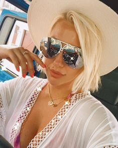 "Savannah Faith Chrisley on Instagram: ""Not fazed 🖤"" Girl With Sunglasses, Sunglasses Women, Savannah Chat, Girl Power, Mirrored Sunglasses, Faith, Shirts, Instagram, Amazing"