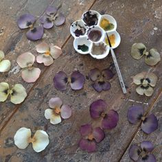Pin by Tatiana Art Boutique on silk art Wafer Paper Flowers, Clay Flowers, Silk Flowers, Making Fabric Flowers, Flower Making, Flower Corsage, Silk Art, Leather Flowers, Diy Arts And Crafts