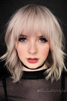 Fantastic Choppy Bob Hairstyles For All Moods And Occasions Choppy Wavy Lob With Arched BangsChoppy Wavy Lob With Arched Bangs Messy Wavy Hair, Wavy Lob, Short Layered Bob Haircuts, Wavy Bob Hairstyles, Choppy Haircuts, Hairstyle Short, Shaved Hairstyles, Hairstyles 2016, Haircuts With Bangs