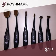 NEVER USED Oval Brush Set / 6 pieces Dollface Oval Brush Set - 6 pieces. SUPER soft bristles. I bought these and only ended up using the 2 bigger brushes in the set, these are PERFECT for contouring the face. All 6 pieces have never been used. Unfortunately, don't have the original boxes, I just keep these in a bag since I've never used them. Dollface Makeup Brushes & Tools