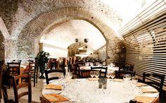 Al ristorante Le Terme del Colosseo, puoi degustare l'arte della cucina tipica italiana, restando immerso nel cuore dell'antica Roma. www.letermedelcolosseo.it