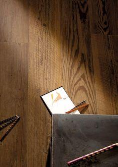 Luxury Home Baia Mare, showroom de gresie si faianta. TELEFON - 0756 427 Gresie tip parchet, imitatie parchet, efect parche. Alexandria, Luxury Homes, Wall Lights, Showroom, Home Decor, Travertine, Luxurious Homes, Luxury Houses, Appliques