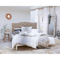 Bett, Knopfheftung, Gestell massives Mangoholz, Bezug 100% Leinen Katalogbild