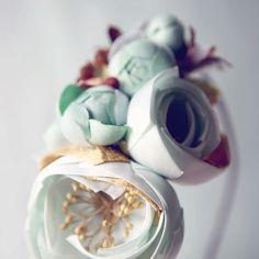 Gorgeous floral fascinator.