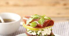 Cook me tender: Ensalada de berenjena, pera y jamón y de segundo un crêpe de huevo, relleno de queso, aguacate y salsichón