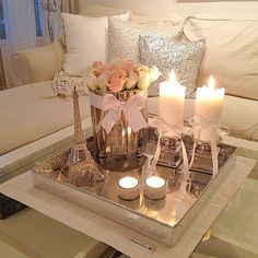 10 Amazing Ways to Design a Romantic Living Room - www. - 10 Amazing Ways to Design a Romantic Living Room – www. Romantic Home Decor, Romantic Homes, Table Decorations, House Interior, Modern Living Room, Coffee Table Decor Living Room, Romantic Living Room, Living Room Coffee Table, Apartment Decor